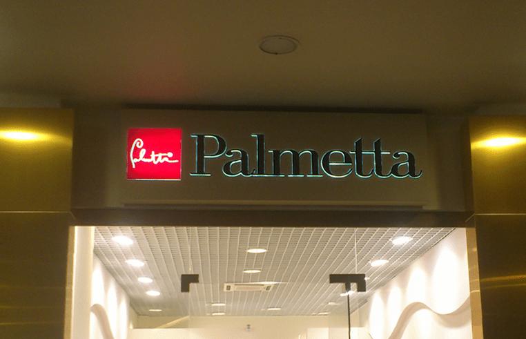 Световой короб с накладными элементами для магазина Palmetta